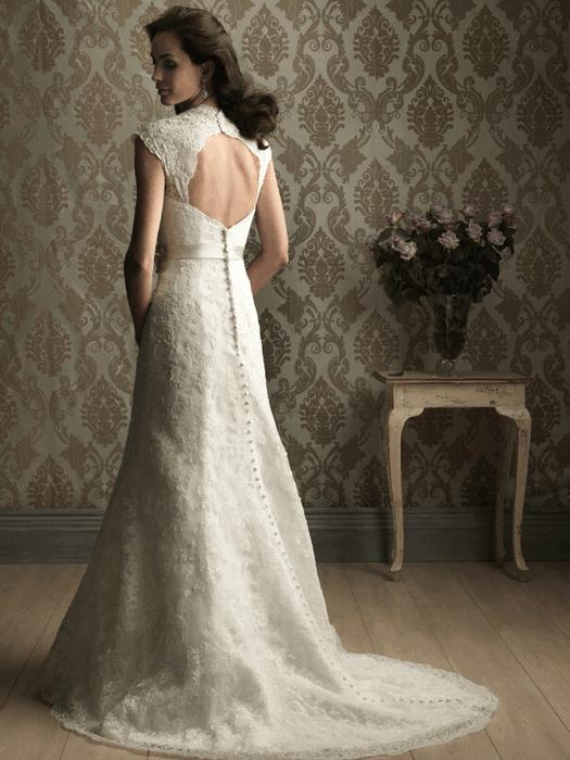 שמלת כלה עם גב תחרה