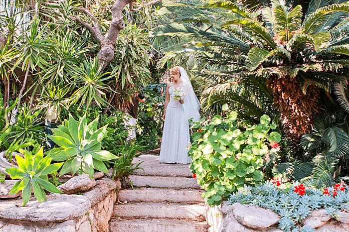 שמלת כלה בגן אירועים