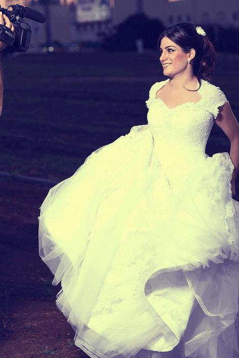 שמלת כלה קלאסית נפוחה