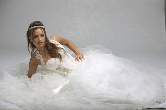 שמלת כלה עם חצאית שיפון