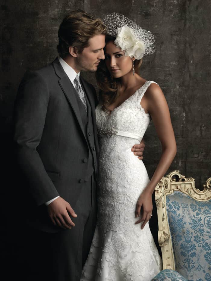 שמלת כלה תחרה עם מותן גבוה