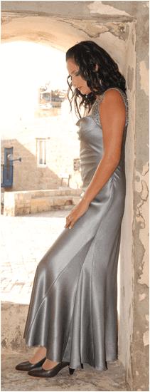 שמלות לשושבינות מאת אושי