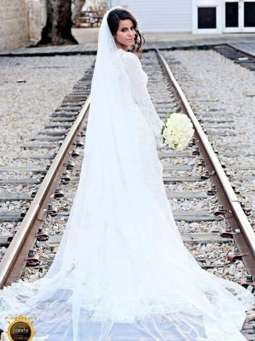 שמלת כלה תחרה עם שרוול ארוך