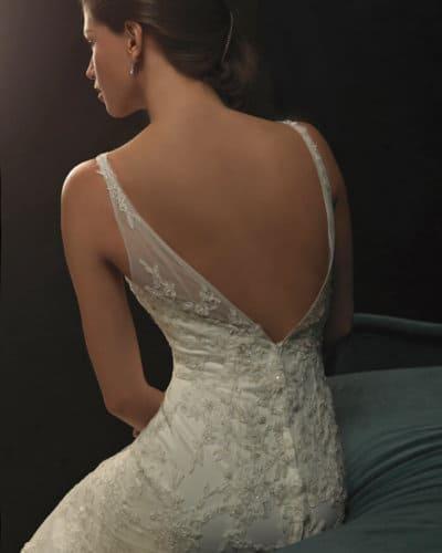 שמלת כלה וינטאג' עם גב חשוף
