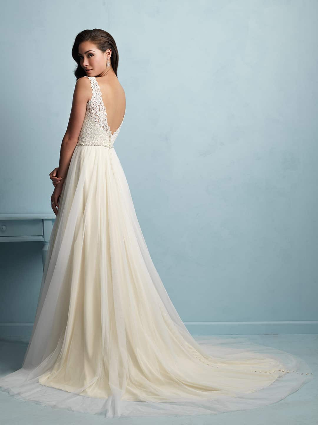 שמלת כלה משיפון עם גב פתוח