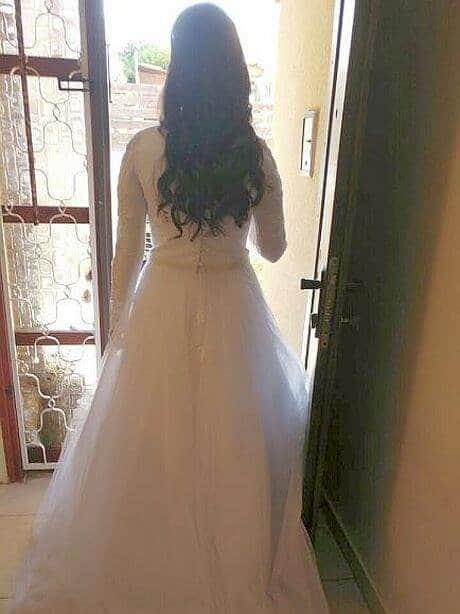 שמלת כלה נפוחה צנועה