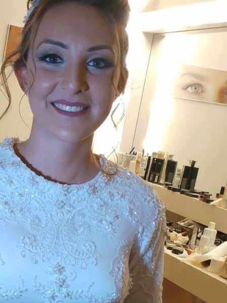שמלת כלה עם צווארון עגול