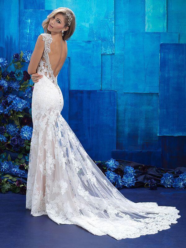 שמלת כלה תחרה נשפכת גב פתוח