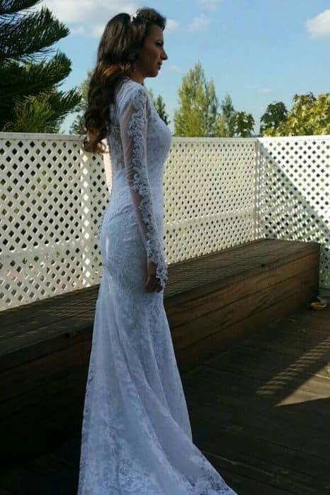 שמלת כלה צמודה מתחרה