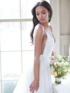 שמלת כלה עם חריזה עדינה