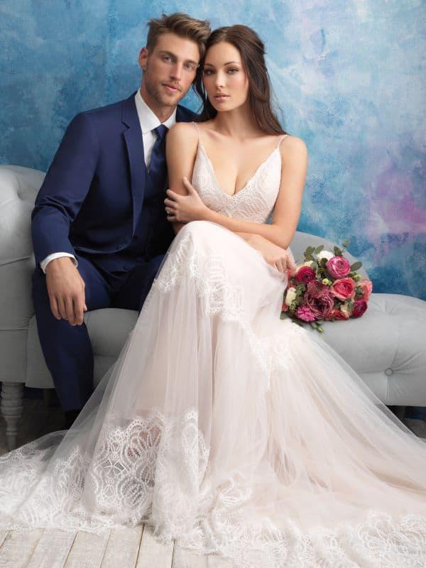 שמלת כלה עם מחשוף V