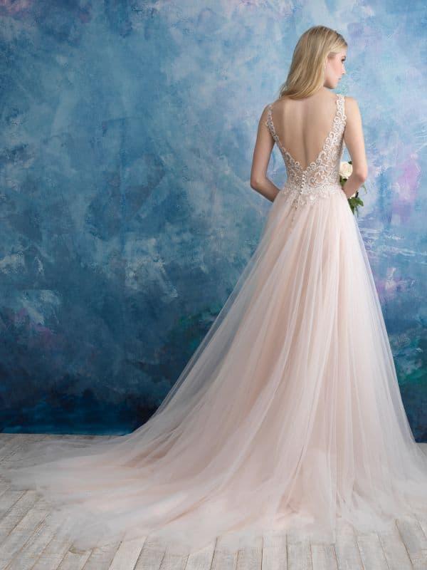 שמלת כלה תחרה וטול