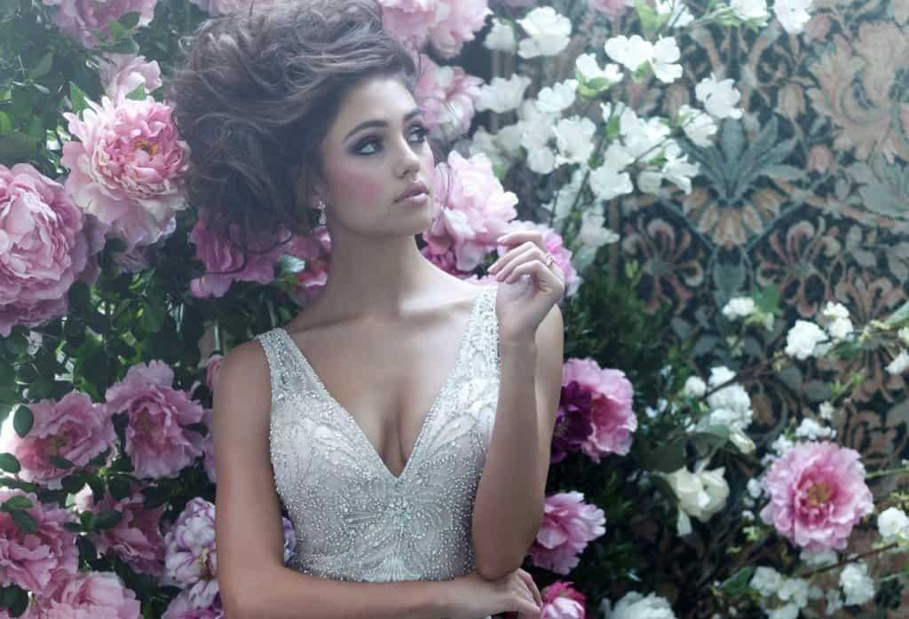 שמלת כלה אביבית