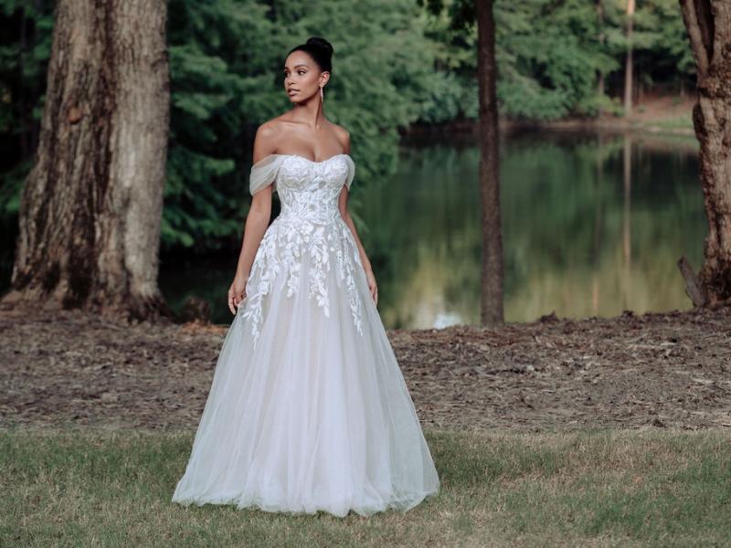 שמלת כלה נפוחה קלאסית
